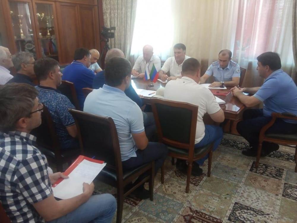 ДАГЕСТАН. Глава Хасавюртовского района провел оперативное заседание членов КЧС и ОПБ.